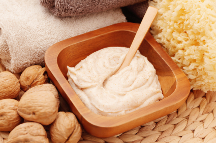 Blog post from Aromatherapy Notes: Making a Facial Scrub