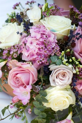 Choose scents such as rose and lavender for your wedding favors, ISP