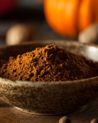 Create Pumpkin and Spice Aromas with Essential Oils
